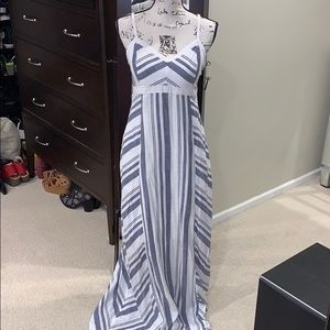 New Athleta maxi, lined w/ pockets chevron stripe